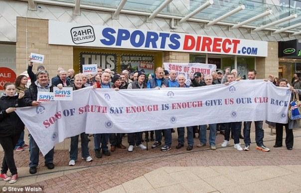https://i2.wp.com/i.dailymail.co.uk/i/pix/2014/10/11/1413051760276_wps_3_Rangers_fans_outside_the_.jpg?resize=604%2C387