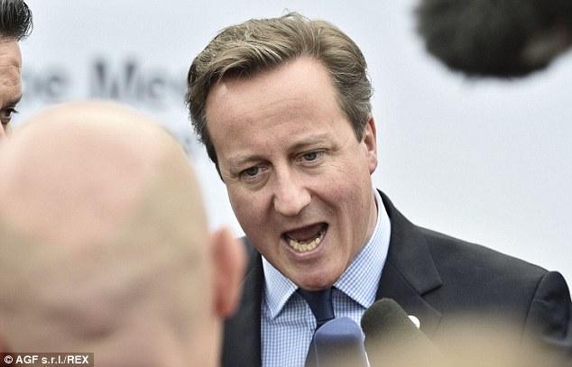 El primer ministro David Cameron en la reunión Asia-Europa instó ayer a la Unión Europea para poner de 800 millones libras para tratar de detener la propagación del ébola en África occidental