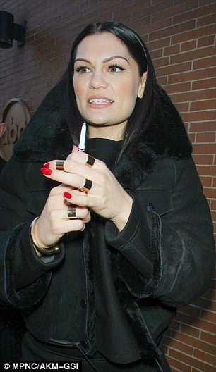 Jessie J Shops In New York With New Boyfriend Luke James