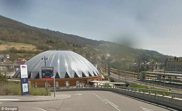 Station: Mr Plateroti got off the train in Bellegarde-sur-Valserine, a French town close to the Swiss border