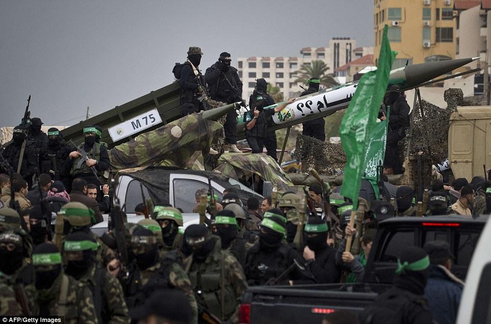 Bildergebnis für hamas leader weapon
