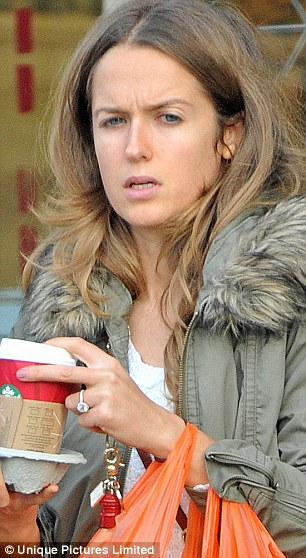 Andy Murrays Fiancee Kim Sears Spotted With 200k Engagement Ring Daily Mail Online