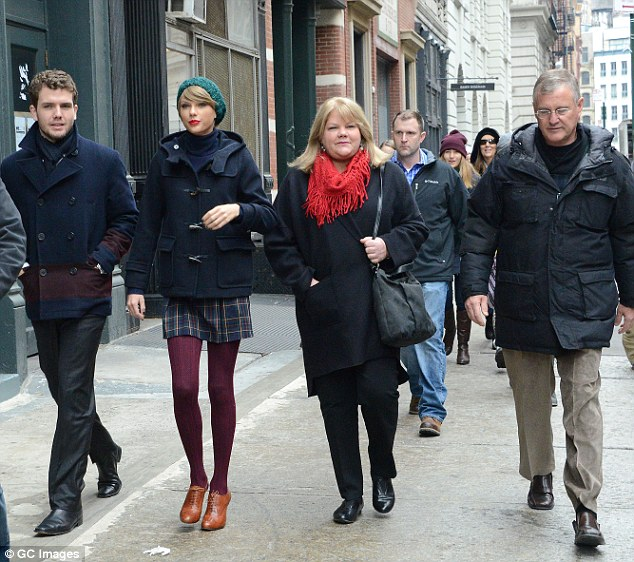 Latest picture of Taylor Swift with her family, Scott Swift, Andrea Swift and Austin Swift in New York