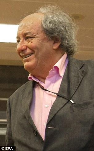 Michel Renaud estaba editando la revista de invitados