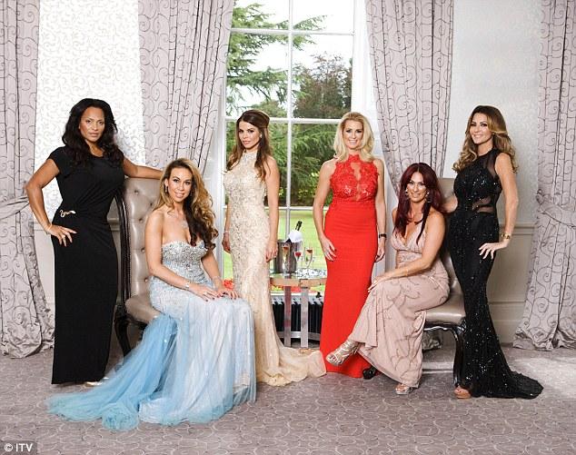 Esquerda para a direita: Magali Gorre, Ampika Pickston, Tanya Bardsley, Brown Leanne, Lauren Simon e Dawn Ward