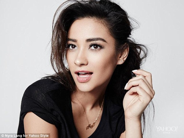 Pretty Little Liars Shay Mitchell Reveals She Hated Her