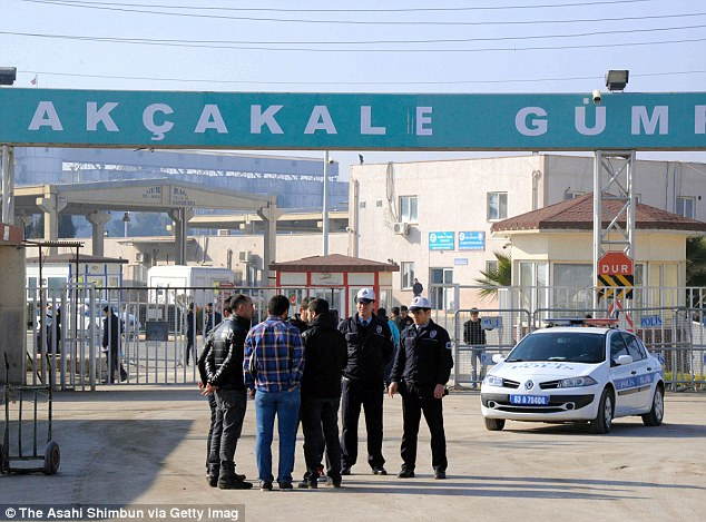 Anticpation and anxiety: People gather at the Akcakale border control in Turkey, one of the possible sites where it is believed the prisoner exchange deal between ISIS and Jordan would have taken place