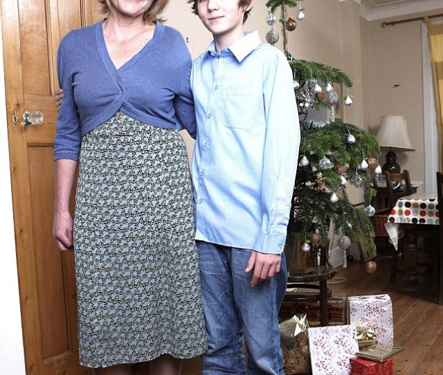 Amanda Pictured With Her Son Stanley Says Your Children Will Always Forge Friendships