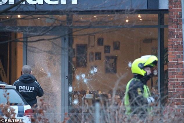 Cientos: Algunos informes dicen que había hasta 200 disparos efectuados por los hombres armados y enmascarados