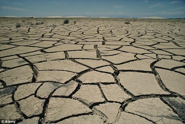 Un académico líder reveló cómo él consiguió una misteriosa llamada telefónica preguntando si los países extranjeros podrían ser los desencadenantes de las sequías o las inundaciones.  Foto archivo
