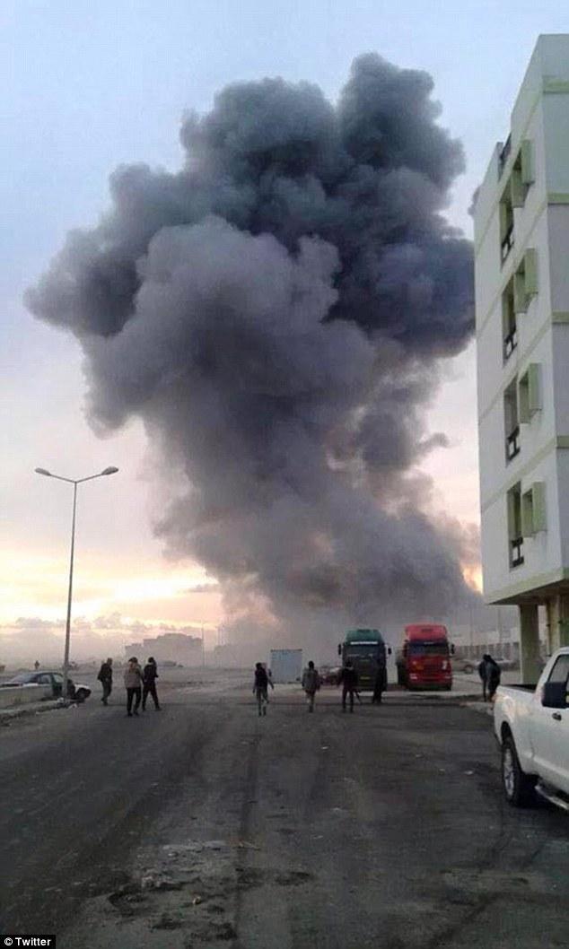 Represalias: Imágenes que dicen ser de los ataques aéreos en Libia por las fuerzas egipcias en línea surgió esta mañana