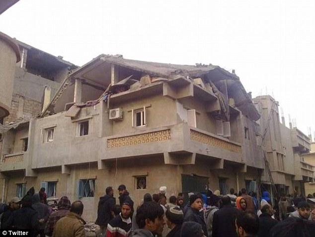 Objetivo: Ministerio de Defensa de Egipto dijo jets habían apuntado depósitos de armas y campos de entrenamiento