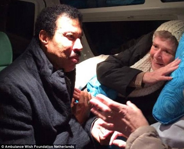 This woman's wish came true when she met Lionel Richie after he performed at Amsterdam's Ziggo Dome