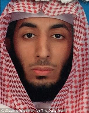 El padre de Mohammed Emwazi (en la foto) vive en el norte de Kuwait, donde logró un depósito de suministros agrícolas