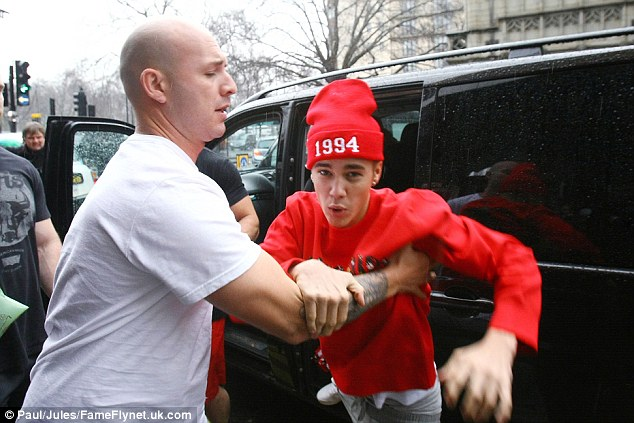 Justin Bieber Who Are Neighbors S