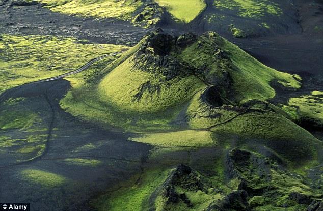 Il 1783 esplosione del vulcano Laki (sopra) avvelenato gran parte del terreno circostante in Islanda, ma il suo impatto teso lontano ulteriormente, creando cenere che ha causato la morte di 25.000 persone nel Regno Unito e una carestia in Egitto