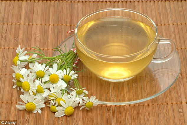 Putting cool, wet teabags on areas affected by sunburn will reduce skin temperature and soothe the area. Camomile tea is even better because it repairs damaged cells and may prevent blistering