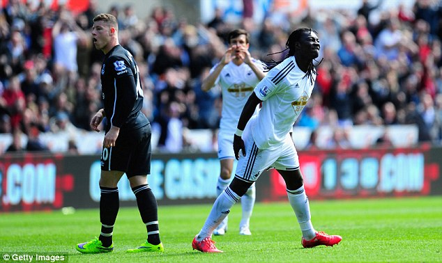 Gomis's injury, a grade two hamstring strain, will keep him off the pitch for three to four weeks