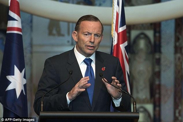 Hardline: Tony Abbott, cuyo gobierno conservador introdujo una operación dirigida por militares a dar marcha atrás barcos llevando solicitantes de asilo antes de que lleguen a Australia, dijo que las medidas duras son la única manera de detener las muertes
