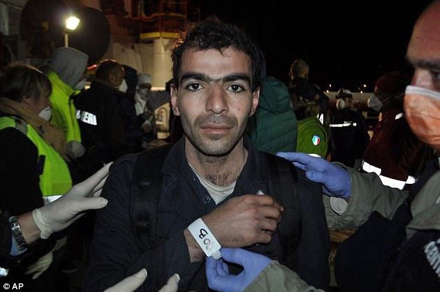 Harroum Almotassem Billah, uno de los tres sirios que fueron tomados en custodia por la policía por presuntamente formar parte de la tripulación que estaba en el timón del yate