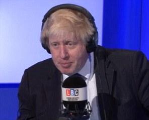 Boris Johnson esta mañana pidió más por hacer para ayudar a los migrantes que huyen