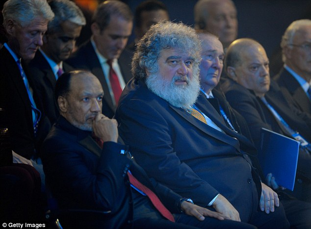 Chuck Blazer (centre) received $750,000 of a promised $1million from Jack Warner