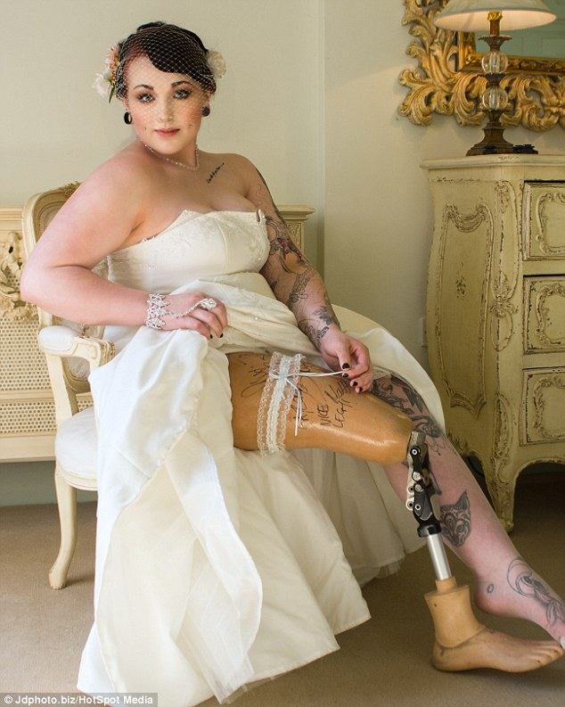 Taylor Crisp, Wanita Ini Menjadi Model meski Kakinya Diamputasi