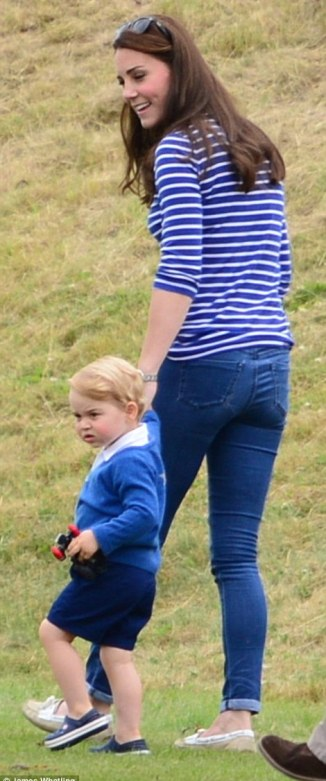 And it's been a mere six weeks since Kate, 33, gave birth to her second child, Princess Charlotte, but already she appears to have sprung back into shape as she strolled round in a pair of skinny jeans and a downstated breteon top