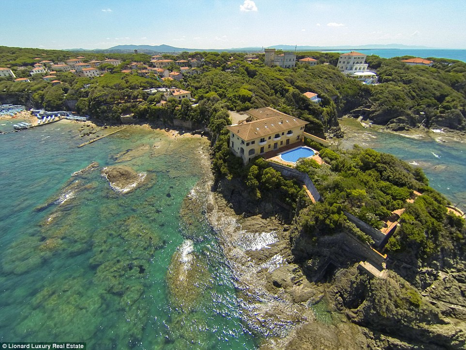 Stars sipped Tuscany's famous Chianti either in the confines of their lavish villas or in the town's famous nightclub la Ciucheba until it all unravelled in the 1980s