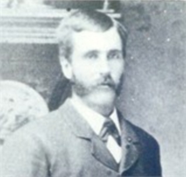 Jacob Mussell was Rachel 's great great-grandfather, the father of Jules LaVerne Mussell