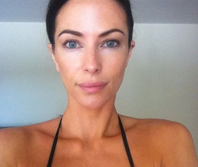 Bare Faced Beauty Esther Anderson Has Showed Off Her Naturally Beautiful Complexion Posting A