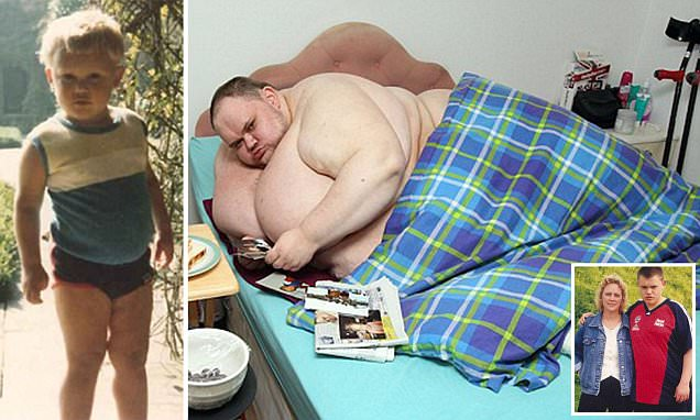 Britain's fattest man, Carl Thompson, dead at 33 and weighed 65 stone