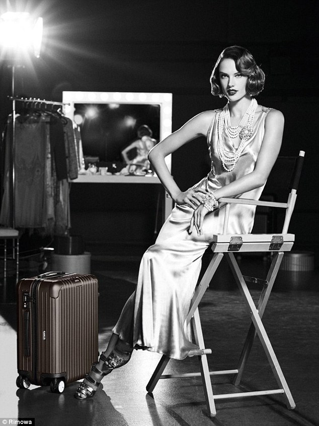 Alessandra Ambrosio Sparkles In Great Gatsby Style