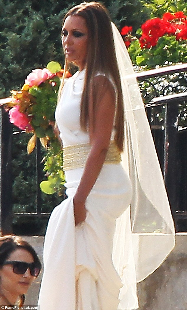 Vanessa Williams Dons TWO Stunning Gowns For Wedding To