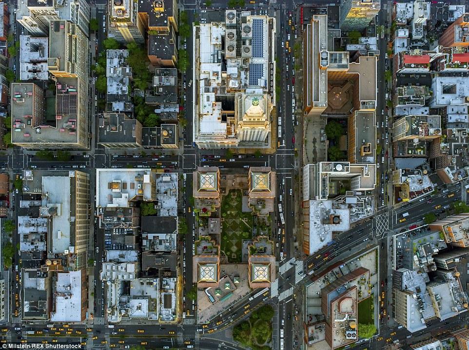 Gramercy Park: Milstein disse que as cores mudaram nos distritos mais ricos - pontilhada com o verde das árvores - em comparação com os mais pobres, que eram na maior parte apenas de concreto cinza