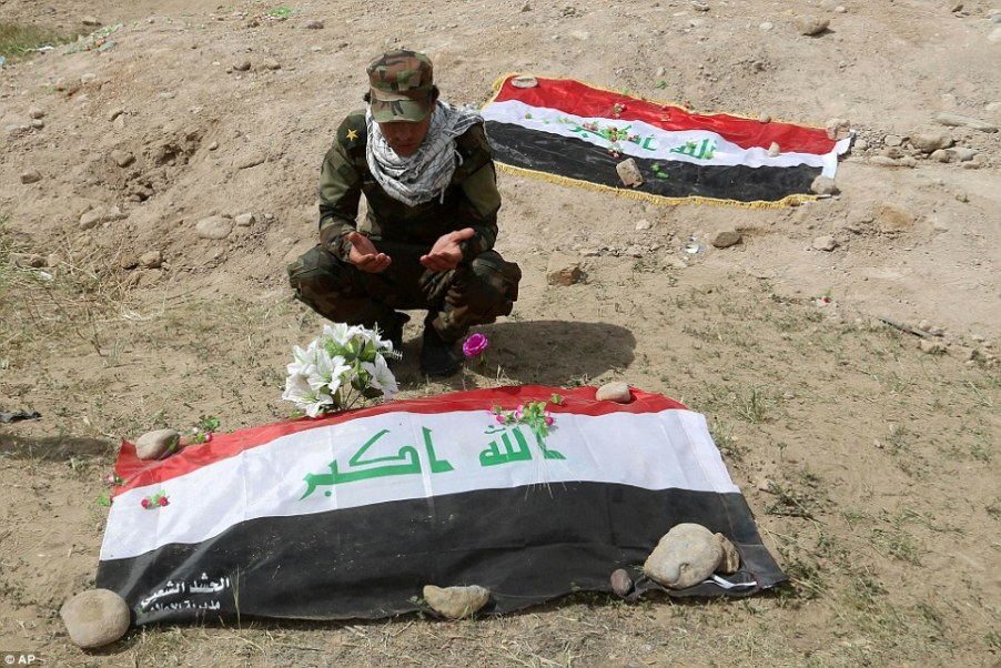 Pictures show the massacre of 770 Iraq soildiers by ISIS