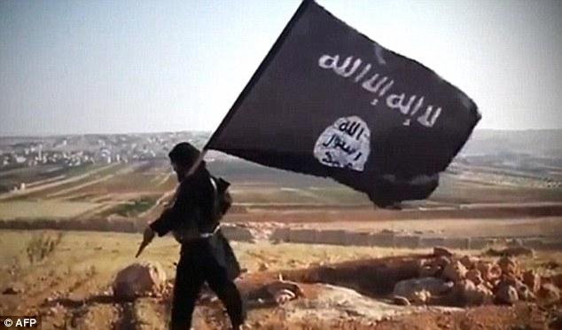 Crecimiento: Y sin embargo, el grupo terrorista expandió su territorio y reclutó a 'miles' de nuevos combatientes extranjeros desde un 'grupo de trabajo' internacional para 'eliminar' ISIS (foto de archivo) en octubre 2014