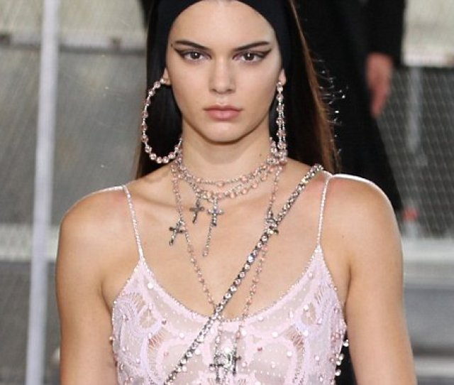 Kendall Jenners Nipple Piercing That Has Been Showing Through Clothing Daily Mail Online