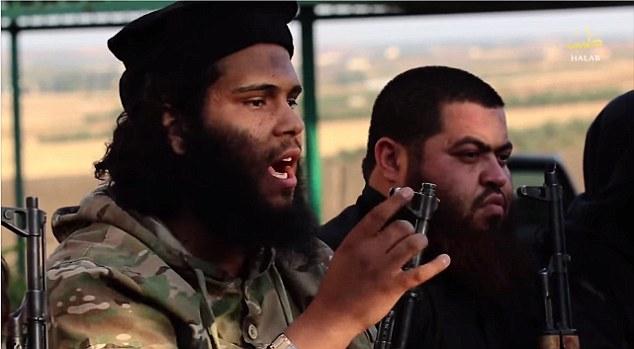 Fanático: Cada luchador toma un par de minutos a despotricar acerca de la necesidad de los palestinos a unirse ISIS