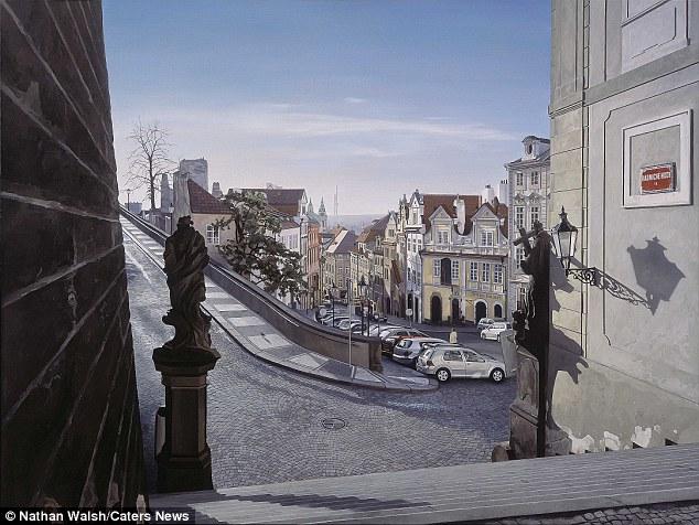 """Nathan disse: """"O objetivo não é para imitar o achatamento de uma fotografia estática, mas para fazer referência a uma rica linhagem de pintura europeia '.  Na foto é Praga"""