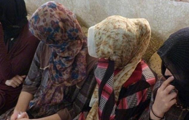 Barbaric: supuestamente fanáticos ISIS han ejecutado a 19 mujeres (foto archivo) por negarse a tener relaciones sexuales con sus combatientes