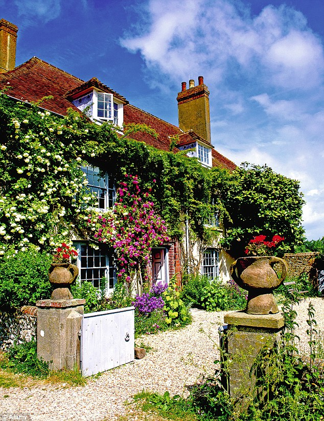 The Bloomsbury Sets Living Legacy The Garden At Charleston In Sussex Is Among Britains Most