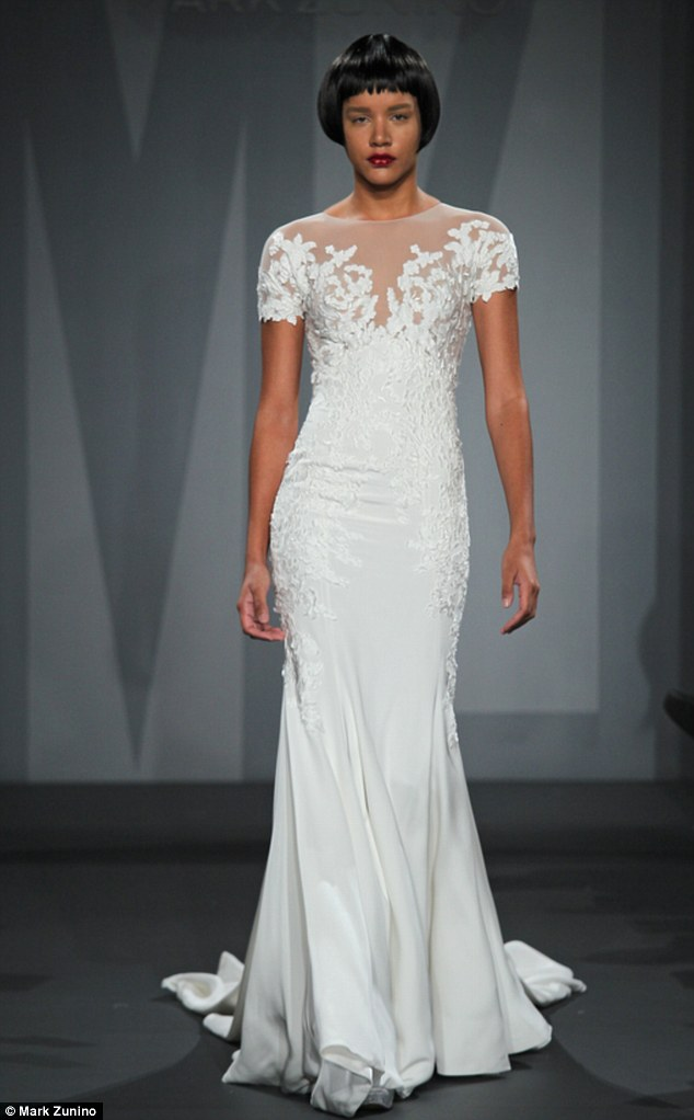 Jennifer Anistons Wedding Dress Was Revealed By Say Yes
