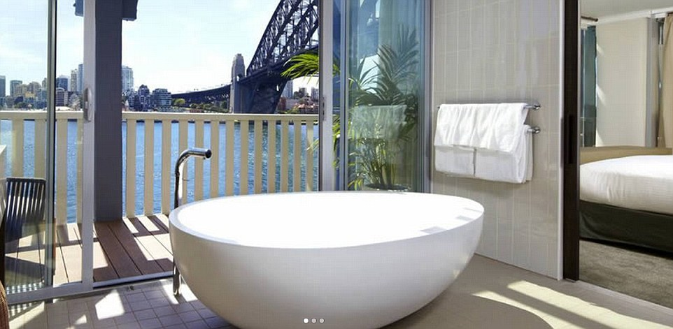 The Worlds Most Amazing Skylines From Hotel Bath Tubs