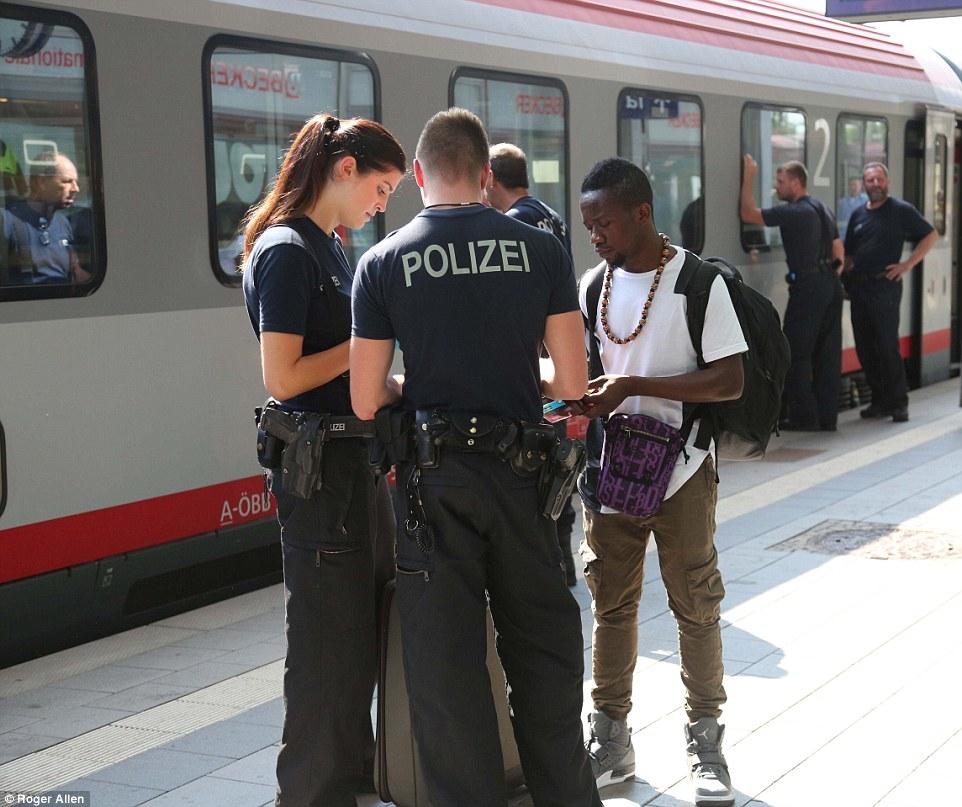 Perseguidos en todas partes: Ataques a los solicitantes de asilo en Alemania se han disparado tres veces en los primeros seis meses de este año