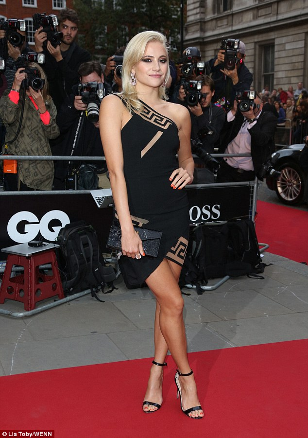 Pixie Lott Wows On The Gq Men Of The Year Awards Red