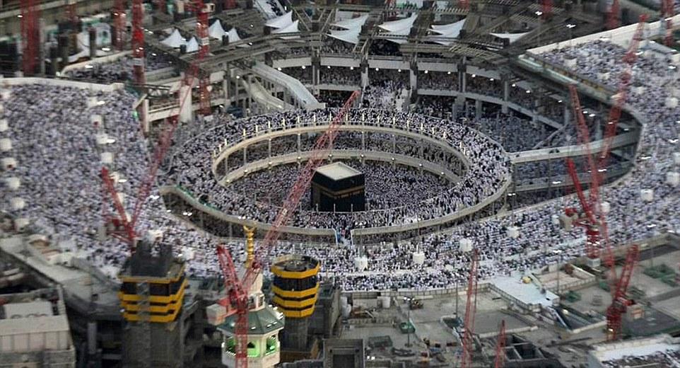 Mezquita más grande del mundo: El año pasado, el reino redujo los números permitidos para realizar haj por razones de seguridad a causa de los trabajos de construcción para ampliar la Gran Mezquita