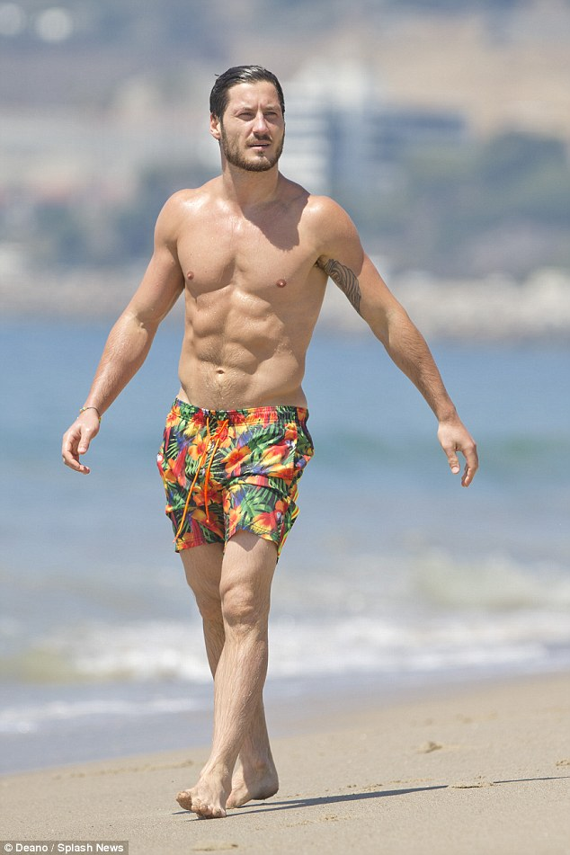 Dancing With The Stars Val Chmerkovskiy Shows Off His