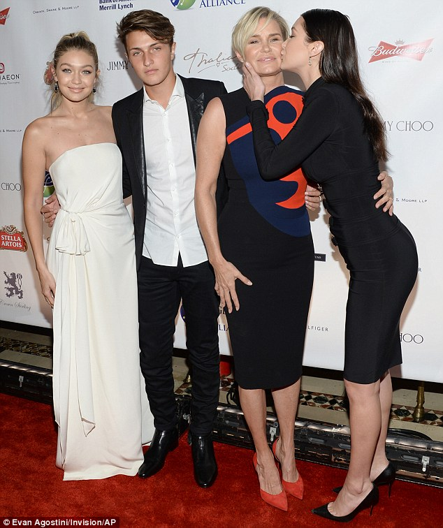 Sad news: Yolanda was honoured at the Global Lyme Alliance Inaugural Gala in New York City on Thursday, where she revealed her children (pictured with eldest daughter Gigi, 20) were battling the disease