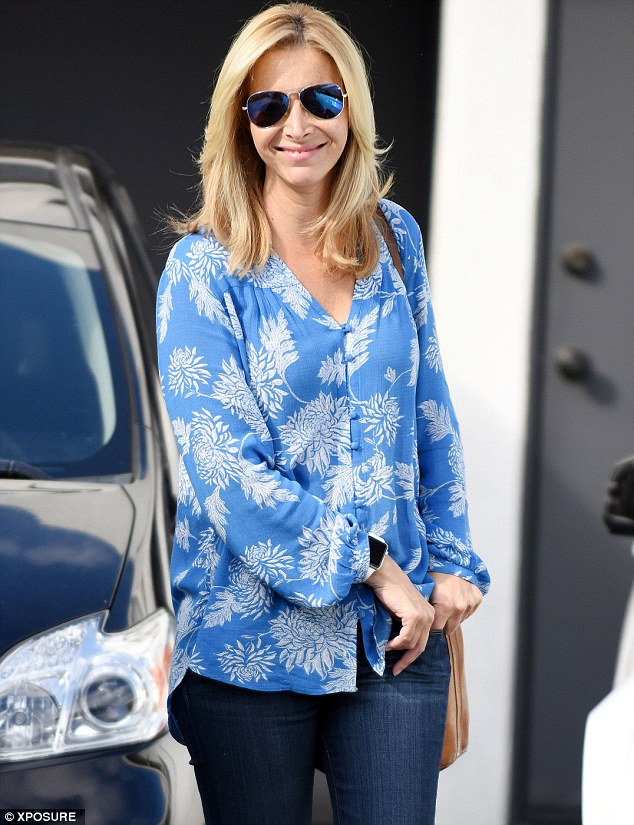 Lisa Kudrow Proves Jennifer Aniston Is Not The Only Hot